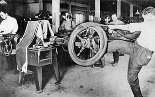 В каком году шины обзавелись протектором