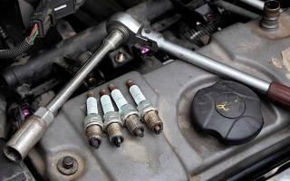 Свечи менять на холодном или горячем двигателе