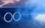 Сизый дым из выхлопной трубы причины бензин